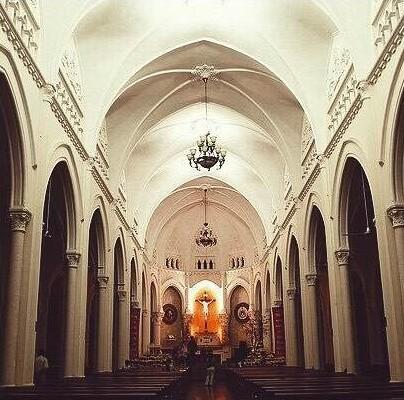 Bên trong Nhà thờ chính tòa Mỹ Tho