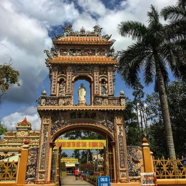 Cổng Chùa Vĩnh Tràng