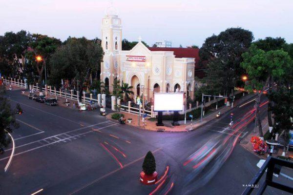 Kết quả hình ảnh cho nhà thờ chính tòa mỹ tho
