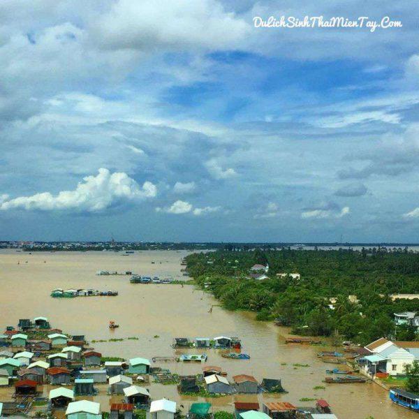 Ngắm nhìn lại làng bè trên dòng sông Tiền hiền hòa
