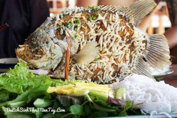 Cá tai tượng chiên xù - món ăn không thể bỏ qua khi du lịch tát mương bắt cá