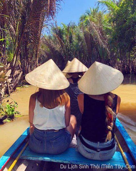 Tour du lịch Miền Tây dành cho người nước ngoài