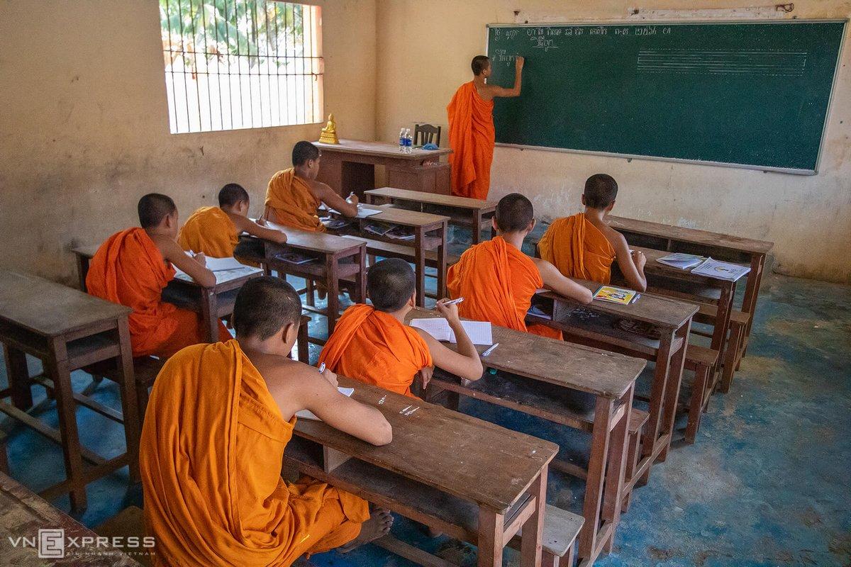 Chùa hiện duy trì việc tổ chức lớp học văn hóa Khmer, triết lý nhà phật đến các vị sư sãi trẻ tuổi. Đại bộ phận người Khmer theo Phật giáo Nam Tông, nên chùa chiền là sợi dây vô hình nối kết với đồng bào và bổ sung cho nhau trong quá trình tồn tại và phát triển. Theo phong tục, thiếu niên Khmer từ 12 tuổi trở lên mới được phép tu học tại các chùa.